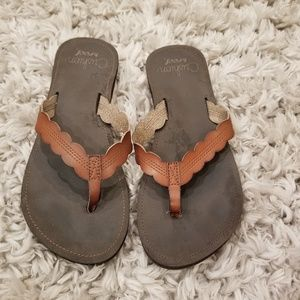Reef brown leather thongs size 8